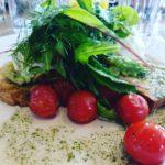 ltimo desayuno en Loudons! Tostadas con vinagreta de albahaca cherryhellip