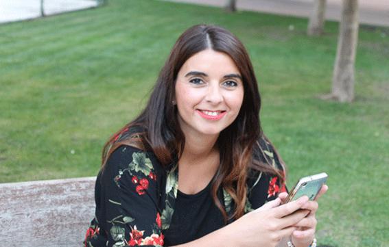 Lorena Pérez, de Celicidad, «Celiaca Gayaspera del añu», galardón del restaurante La Talamera