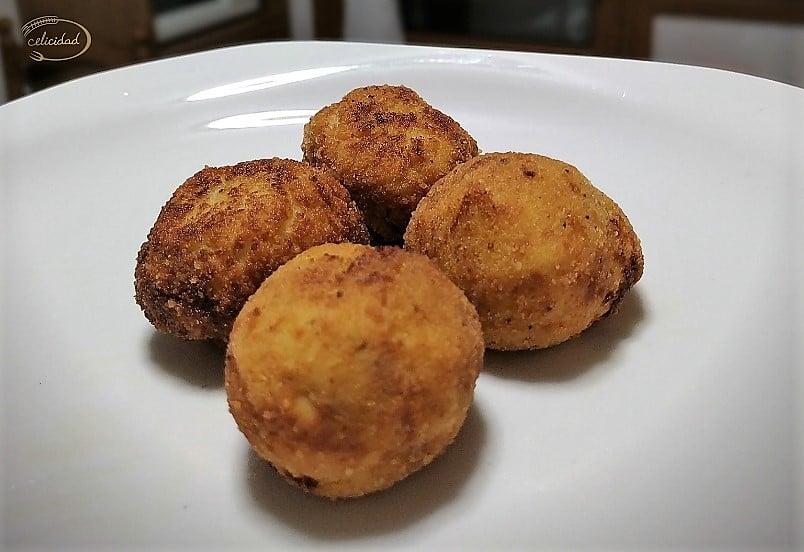 Croquetas sin gluten de queso azul y nueces