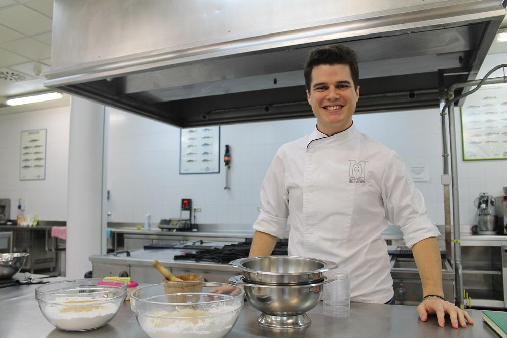 Mateo Sierra: «Con el pan sin gluten hemos avanzado mucho. En mis libros explico el proceso de un pan básico y después que cada uno haga suya la receta añadiendo lo que más le guste»