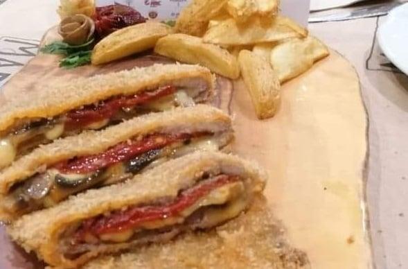 El Mejor Cachopo de Asturias se prepara en un restaurante de la red Cangas Sin Gluten